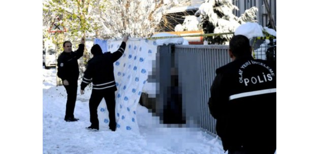 Otomatik kapı ile duvar arasına sıkışan kadın öldü