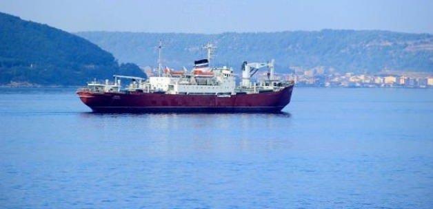 Rus askeri gemisi Çanakkale'den geçti