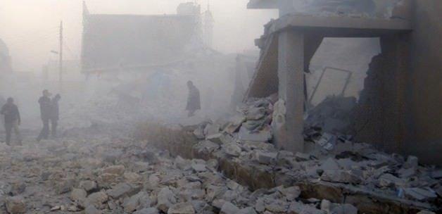 Rus uçakları kültür merkezini bombaladı