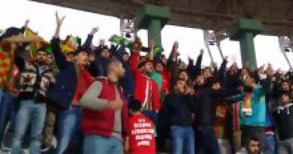 Şanlıurfa taraftarından Amedlileri susturan slogan