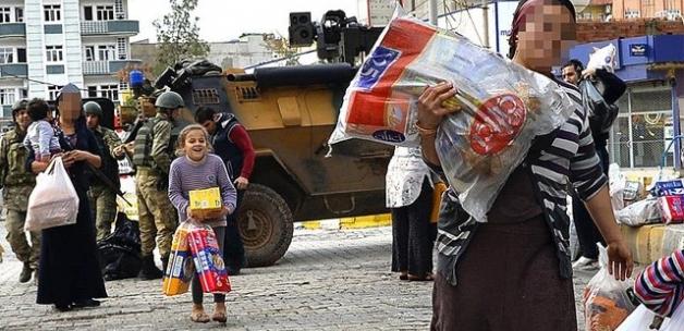 Şırnak'ta güvenlik güçleri vatandaşlarla el ele