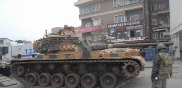 Sur'a tank takviyesi yapıldı, silah sesleri yükseliyor