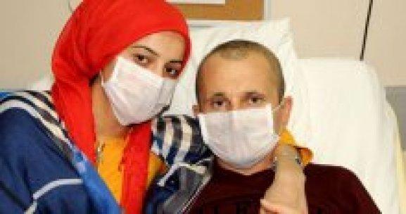 Terk ettiği eşinin kanser olduğunu öğrenince geri döndü
