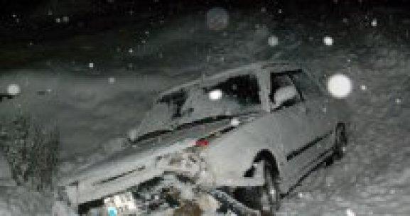 Tokat'ta kar yağışı ve buzlanma kazaya neden oldu, 4 yaralı