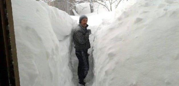 Uludağ'da kar kalınlığı 60 santimetre oldu