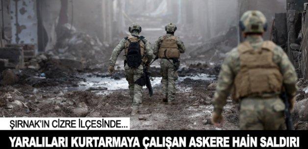 Yaralıları kurtarmaya çalışan askere hain saldırı
