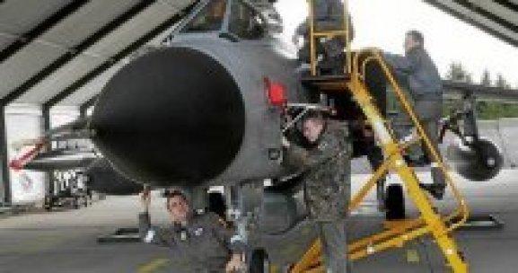 Yüz Alman askeri Türkiye yolcusu!