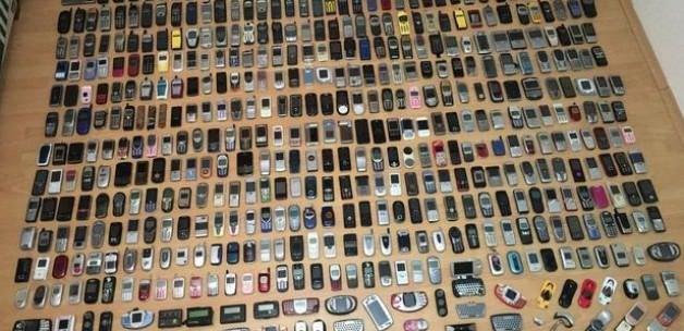 22 senelik cep telefonu koleksiyonuna 200 bin TL