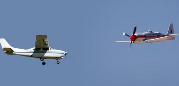 ABD'de 2 uçak havada çarpıştı!