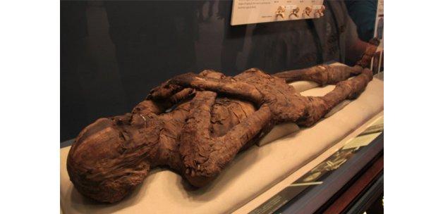ABD'li bekçi 2 bin 500 yıllık mumyaya tecavüz etti