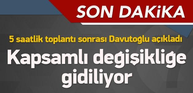 Başbakan Davutoğlu açıklamalarda bulunuyor
