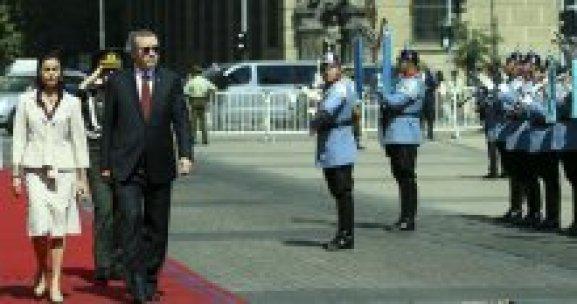 Cumhurbaşkanı Erdoğan Şili'de törenle karşılandı
