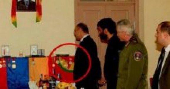 Ermenistan Bakanı'ndan PKK'lının evine ziyaret !