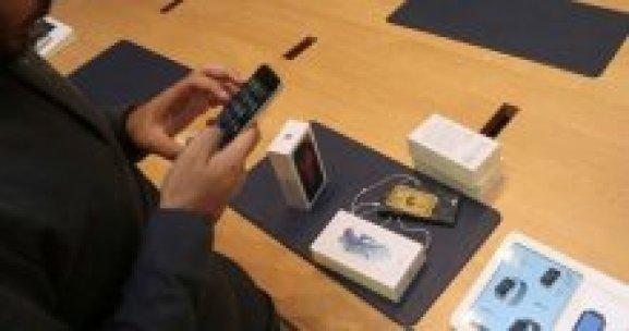 iPhone'ları tuğlaya çeviren hata