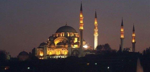 İstanbul'da cuma selası geleneği yeniden başladı