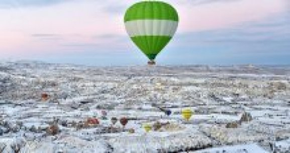 Kapadokya'ya yabancı turist ilgisi sürüyor