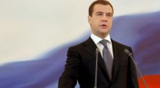 Medvedev, 'Müzakere zorunlu kılınmalı'