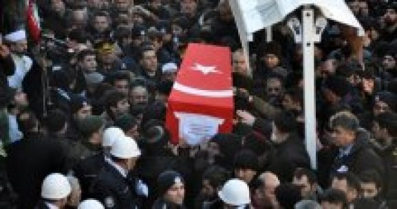 Şehidi Sivas'ta binler uğurladı