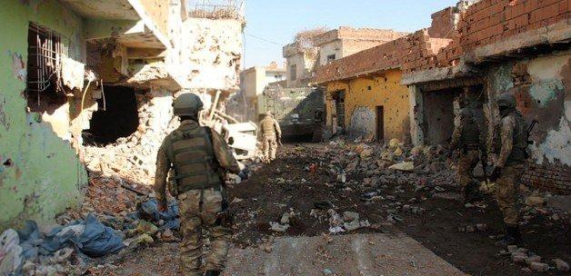 Sur ve İdil'de 5 terörist öldürüldü