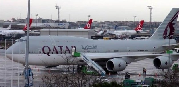 THY uçağı Katar Emirinin uçağının kuyruğuna sürttü