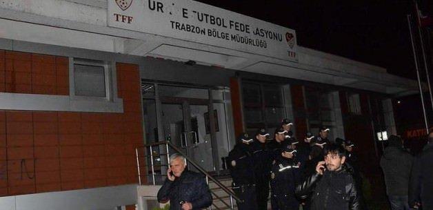 Trabzonspor taraftarları TFF binasını bastı