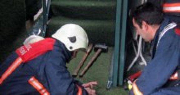 Ümraniye'de korkutan yangın, 2 yaralı