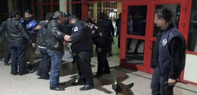 25 Suriyeli güvenliğe takıldı, şehre alınmadı