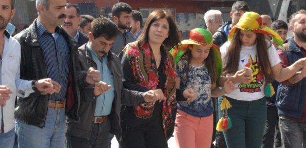 Adana'da sıcak saatler! HDP'liler iş başında