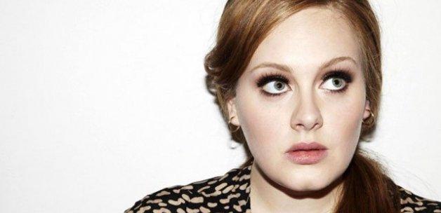 Adele'den hayranlarına müjde