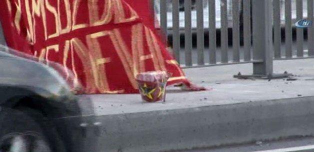 Bomba süsü verilmiş pankart, polisi alarma geçirdi