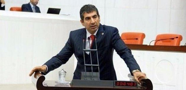 Eski CHP'li vekil CHP'yi şikayet etti