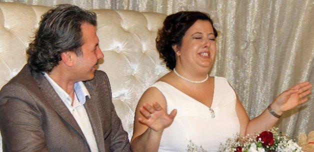 Gelin nikah masasında gülme krizine girerse
