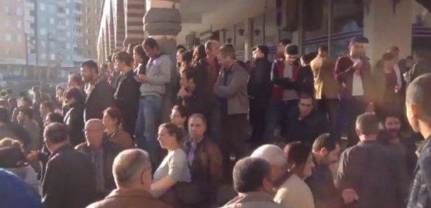 HDP'lilerden Diyarbakır'da savaş sloganları!