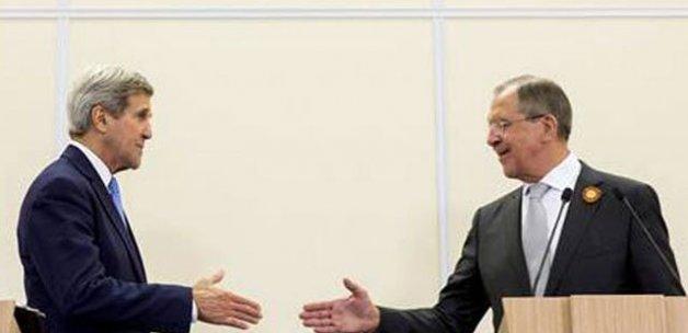 Kerry, Moskova'da Rus Mevkidaşı Lavrov'la görüştü