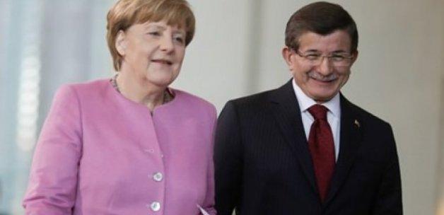Merkel Davutoğlu'nun davetini kabul etti