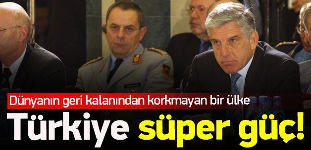 Papantoniou: Türkiye süper güç