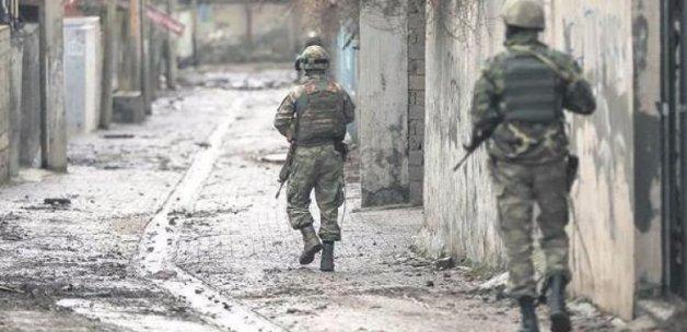 PKK'nın keskin nişancıları çembere alındı!