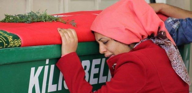 Roketli saldırıda hayatını kaybeden kadın toprağa verildi