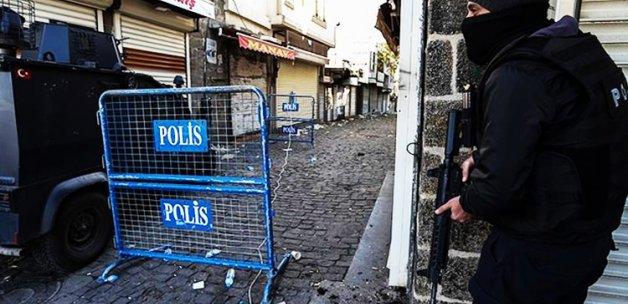 Sur'da çatışma: 2 PKK'lı öldürüldü, 2 polis yaralı