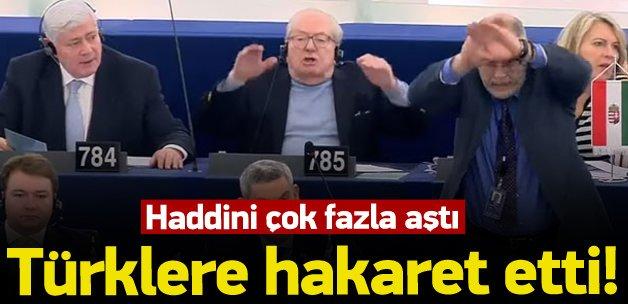 Türklere hakaret eden Yunan vekil kovuldu