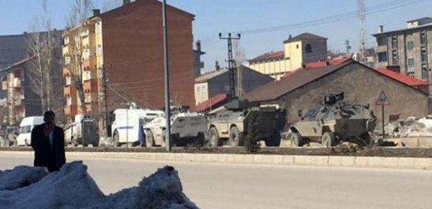 Yüksekova'da barikat operasyonu!
