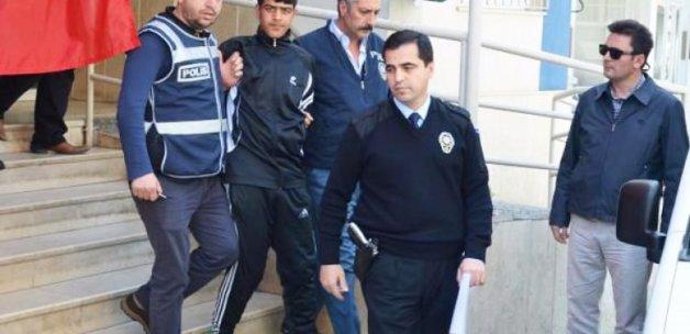 3 polisi bıçakladı, 66. kez serbest kaldı