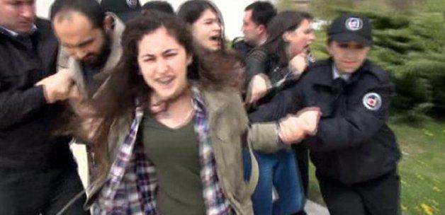 AK Partili Külünk'ü protesto eden öğrencilere müdahale