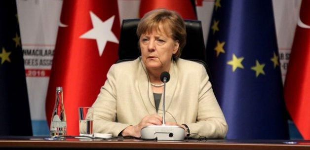 Angela Merkel:AB'nin sorumluluğunu üstlenmesi gerekiyor