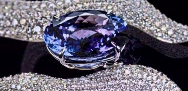 En çok mücevher komşuya ihraç edildi