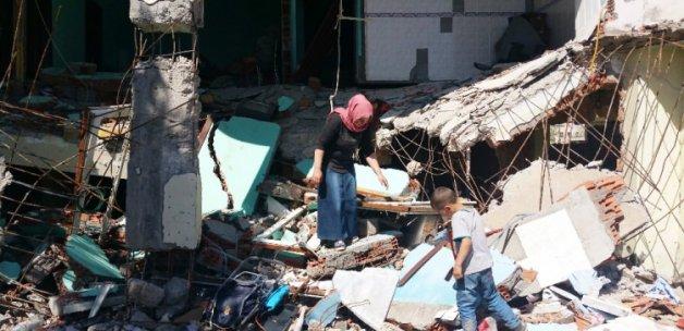 Hain PKK evini bombaladı! O ise bakın ne yaptı!