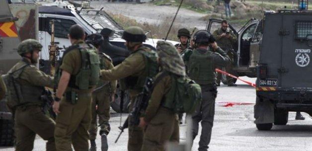 İsrail askeri Filistinli gençlere ateş açtı!