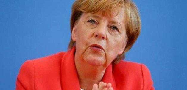 Merkel: Türkiye ile anlaşma kesin olarak doğrudur
