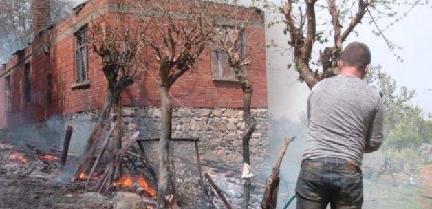 Sıçrayan kıvılcım evi yaktı