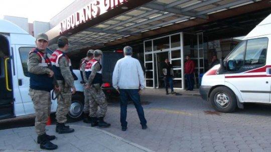 Suriye sınırından görevli asker ağır yaralandı